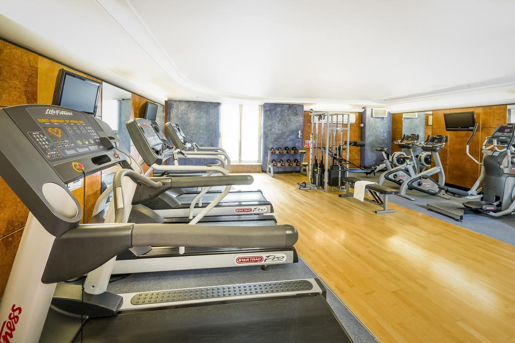 картинка Millennium Gloucester Hotel London gym
